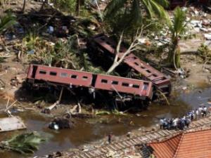 Крушение поезда в результате цунами