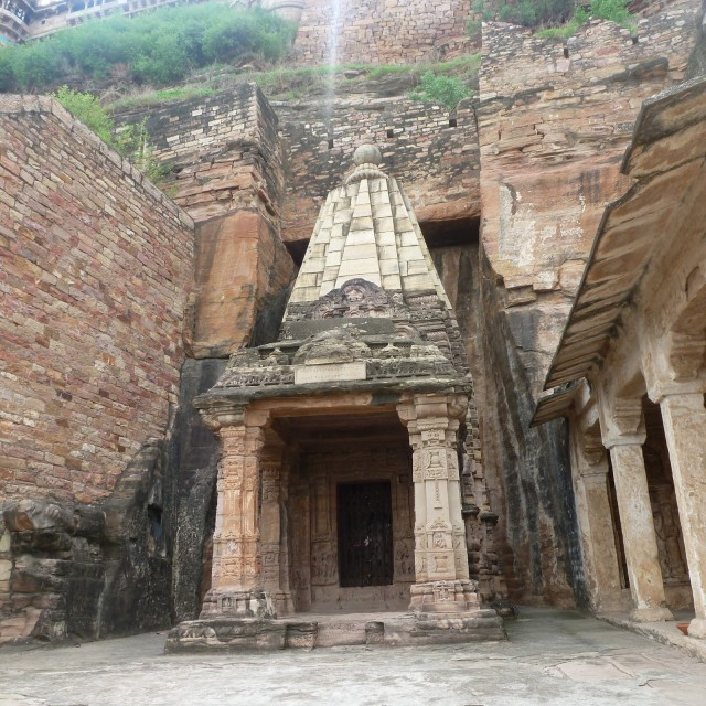 Храм Чатурбхуджа