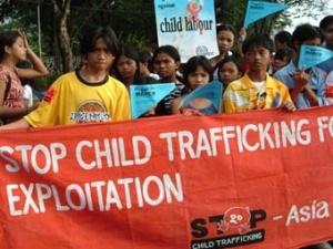Демонстрация против эксплуатации детей в Азии.