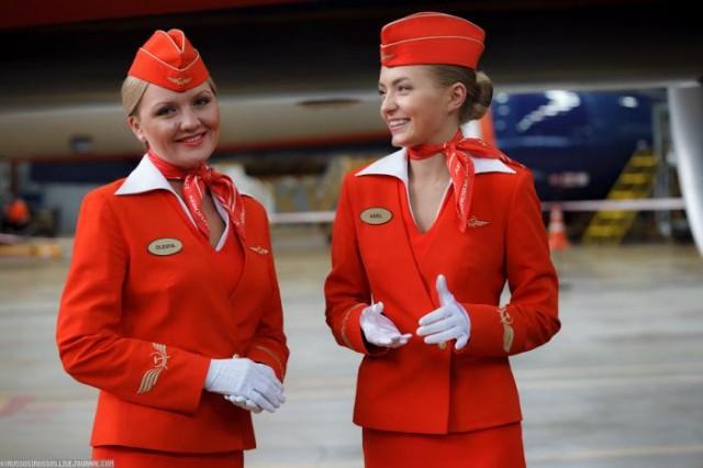 Униформа «Аэрофлота», дизайн Юлии Бунаковой и Евгения Хохлова