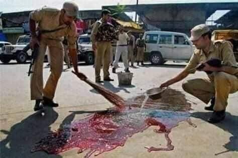 Солдаты индийской армии «заметают следы»