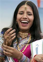 В Индии прошел показ мод с участием слепых моделей