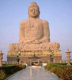 Статуя Будды в Бодхгайе