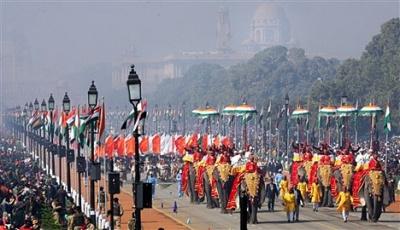 В индийской столице начались торжественный военный парад и демонстрация по случаю национального праздника Индии - Дня республики.
