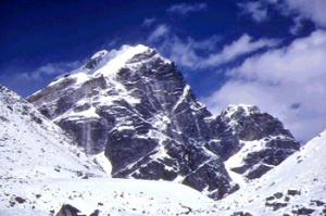 Пик Кангару в Гималаях