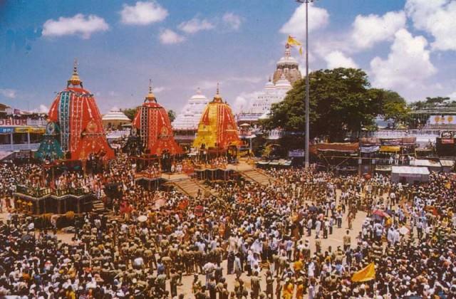 Фестиваль колесниц Ратха-ятра в Пури (Орисса)
