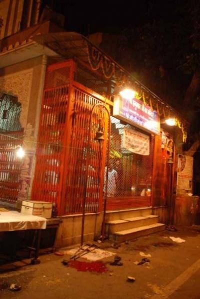 Храм Ханумана после взрыва на Johri Bazar