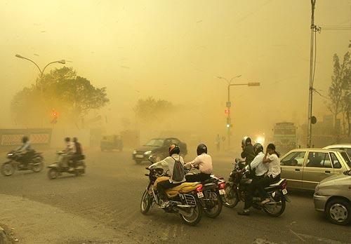 Буря в Дели