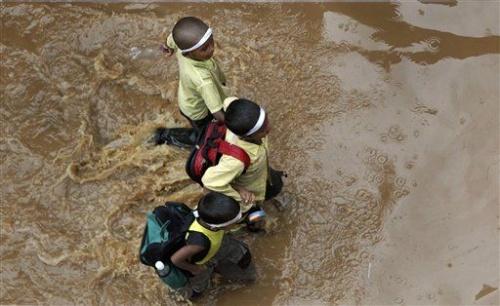 Школьники в Guwahati