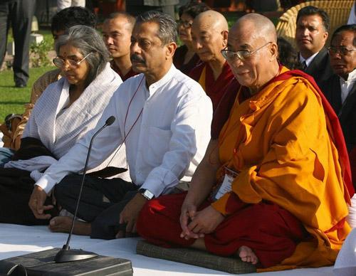 Молебен у мемориального комплекса Махатме Ганди