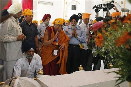 Молебен в храме сикхов Гурудвара Ракбгандж