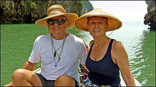 На своей яхте супруги Адам объездили почти весь мир