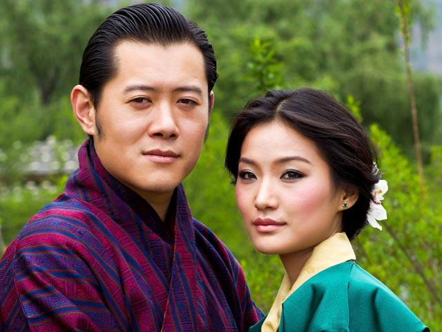 31-летний король гималайского королевства Бутан Джигме Кхесар Намгьял Вангчук объявил о предстоящей свадьбе на простолюдинке - 21-летней студентке Дже