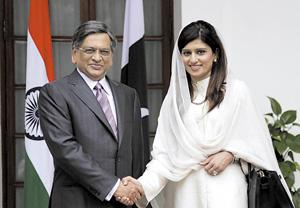 Глава пакистанской дипломатии обворожила индийцев