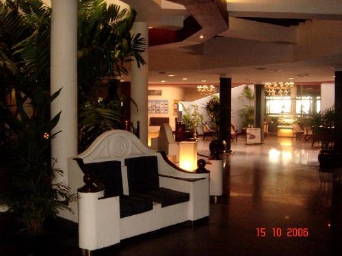 Riverina. Lobby